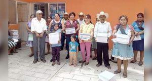 Otorgan en Huitzilan despensas a niños y población vulnerable