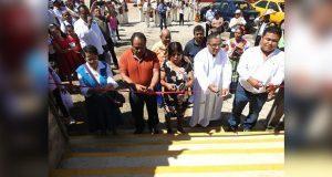 Inauguran parque infantil y cancha de usos múltiples en Xayacatlán
