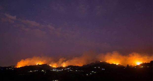 Incendio sin control en Gran Canaria arrasa con la isla