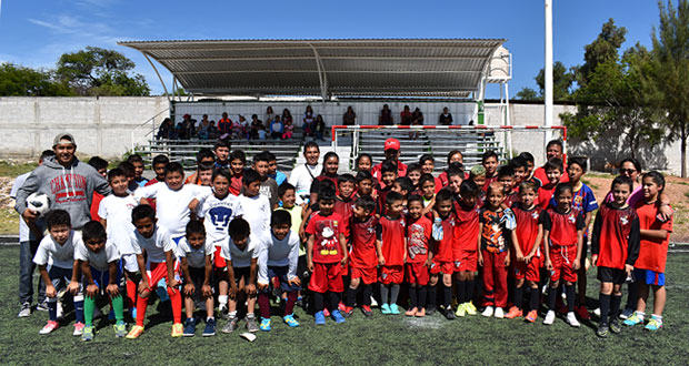 En Ixcaquixtla, promueven vida sana con torneo de fútbol infantil