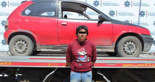 En Paseos de Castillotla, recuperan vehículo robado y detienen a dos