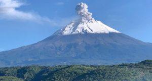 Protección Civil pide mantenerse a 12 kilómetros del Popocatépetl