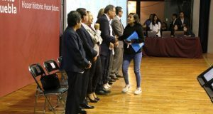 SEP entrega mil 820 plazas a maestros de primaria y bachillerato