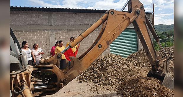 Inicia ayuntamiento de Tecomatlán ampliación de red de drenaje