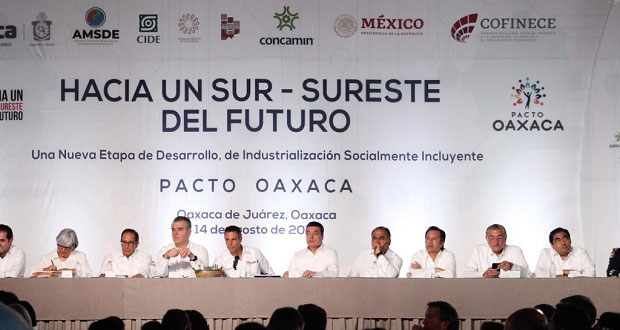"""Barbosa y 8 gobernadores firman """"Pacto Oaxaca"""" para el desarrollo económico"""