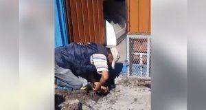 Con apoyo de ASA, reconectan agua y drenaje en casa de Los Pilares