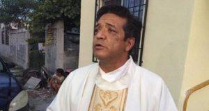 Muere sacerdote al ser apuñalado al interior de iglesia en Matamoros