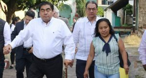 En visita de Barbosa a Tepexco, acusan a edil de desvío de recursos