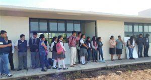 Ayuntamiento de Tecomatlán entrega aulas y sanitarios a bachillerato