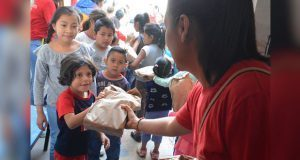 En BUAP, financiaran desayunos para niños con venta de tapas