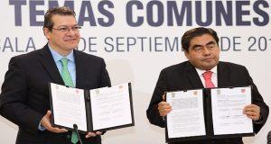 Barbosa y Mena firman convenio; Atoyac, entre los temas