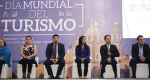 Turismo genera empleos y desarrollo: gobierno estatal a alumnos