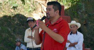 Gobierno antorchista de Huitzilan construye baños biodegradables