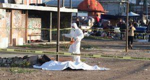 Encuentran cadáver calcinado en el tianguis de San Isidro