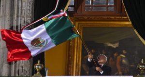 """Celebran Independencia con 20 """"vivas"""" de AMLO y desfile de GN"""