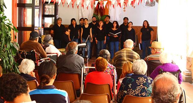Imacp lleva música, ballet y teatro a hospitales y asilos de Puebla