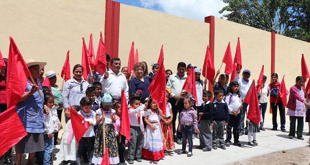 Inauguran barda perimetral en preescolar de Tepexi de Rodríguez