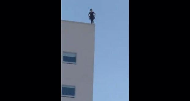 Mujer se suicida en Tijuana: se lanza desde un séptimo piso