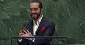 Presidente de El Salvador se toma selfie en discurso ante la ONU