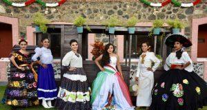 Participa Antorcha en tradicional cabalgata de Atlixco