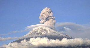 Popocatépetl mantiene actividad normal; llaman a no acercarse