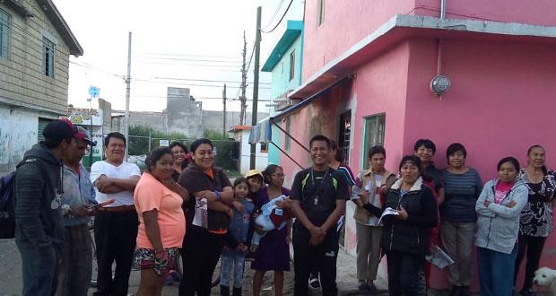 Vecinos de Flor del Bosque piden a CFE electrificar calle Azucena