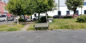 Pasto crecido, indigentes y con ambulantes, así lucen algunos parques del CH