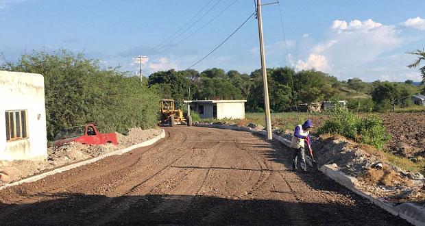 """Avanza adoquinamiento de calle """"El zorrillo"""" en Huehuetlán El Grande"""