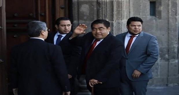 Gobiernos pasados no evitaron huachicol, dejaron tiradero en Puebla: Barbosa