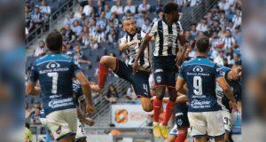 Gran reacción del Club Puebla, pero vuelve a perder ante Monterrey