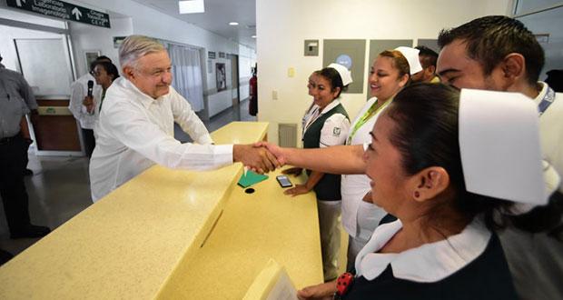 Pronto, convocatoria para vacantes de médicos y enfermeras: AMLO