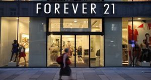 Forever 21 se declara en bancarrota; algunas tiendas cerrarán
