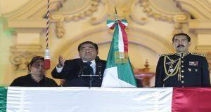 En Grito de Independencia, Barbosa vitorea héroes patrios y revolucionarios