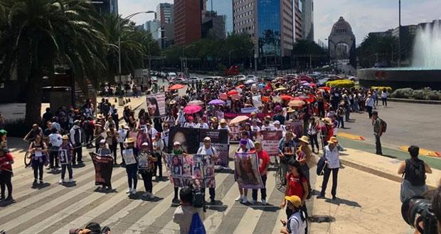 En CDMX, marchan en silencio para exigir alto a los feminicidios