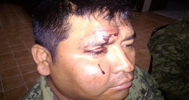 3 militares y 2 civiles heridos durante saqueo de tren en Querétaro