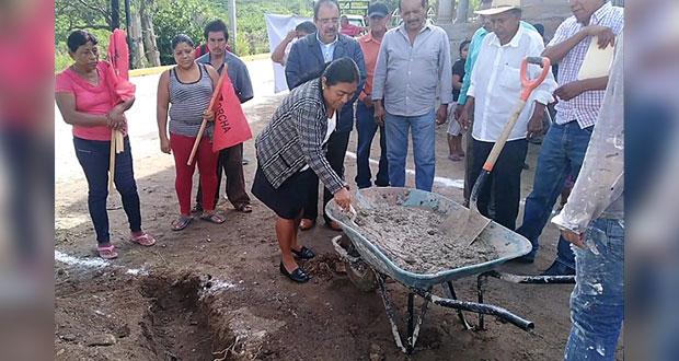 Con concreto hidráulico, pavimentarán calle Zapata en Tecomatlán