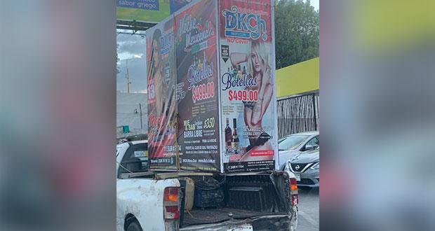 Vacío en Coremun no deja sancionar publicidad móvil sexista en Puebla
