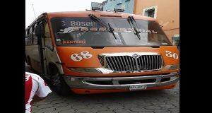 Asaltan y golpean a pasajeros de la ruta 68 en el barrio de El Alto
