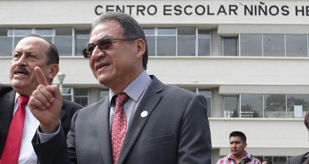 En gestiones pasadas, SEP habría firmado contratos fantasmas: Lozano