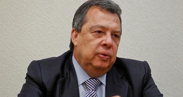 Exgobernador se deslinda de principal acusado en caso Ayotzinapa