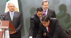 Con 338.3 mdp, AMLO arranca en Puebla programa para mantenimiento de escuelas