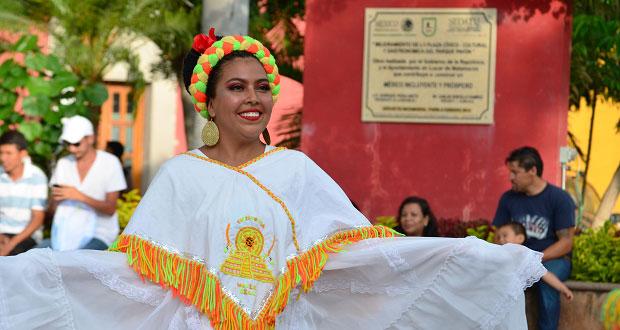 Antorchistas de la Mixteca llevan grupos de baile a Teotlalco