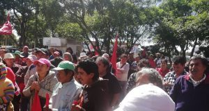 Antorchistas exigen pavimentación de calle en Texmelucan y apoyo a juntas