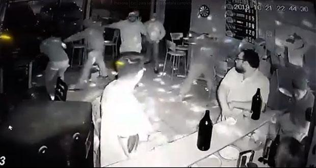 """Asaltan a clientes del bar """"Wepas"""" en San Jerónimo Caleras"""