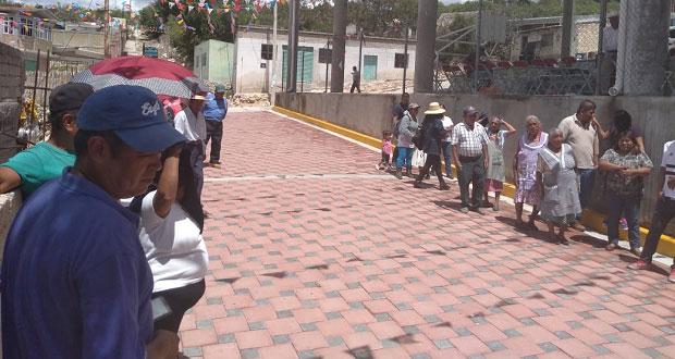 Atexcal adoquina 2 calles en junta de San Nicolás Tepoxtitlán