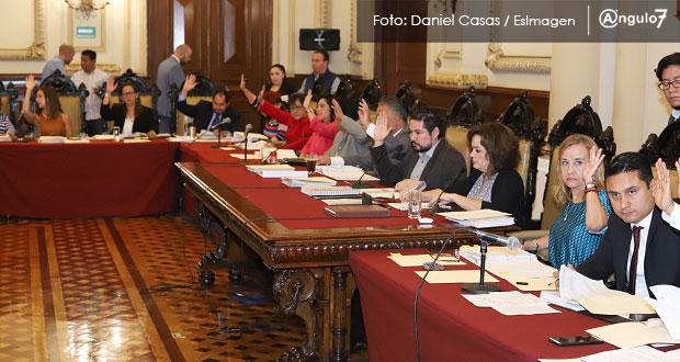 En Cabildo, avalan que regidores contesten por 3 minutos informe de Rivera