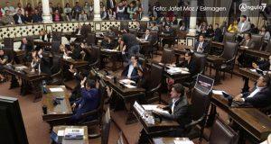 Gobernador interino, elegido por dos terceras partes del Congreso, proponen