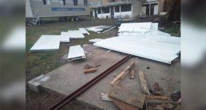 Exigen mejoras en 2 escuelas de la capital ante daños por lluvias
