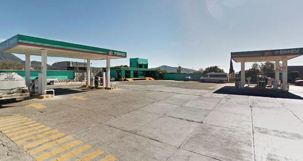 """Gasolinera de Acajete """"que más roba en el país"""" sigue dando litros incompletos"""