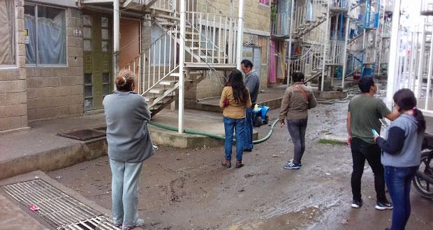 Gestionan mejora de vivienda en la unidad habitacional Antorcha Obrera
